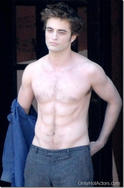 robert-pattinson-shirtless-2