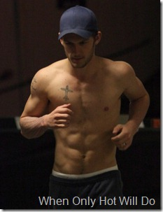 alex-pettyfer-shirtless-run