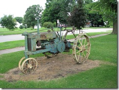 0264 John Deere Tractor at Preston Station Belle Plaine IA