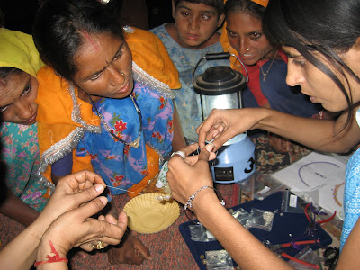 Anoothi - jewelry making in India