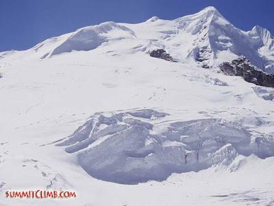 Between Base Camp and Mera La (Courtesy of SummitClimb)