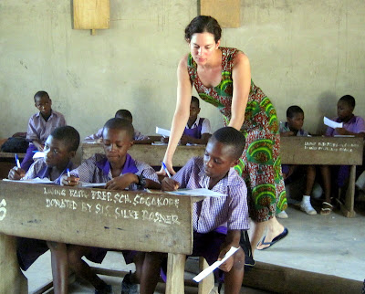 Lillie Marshall volunteer teaching in Ghana