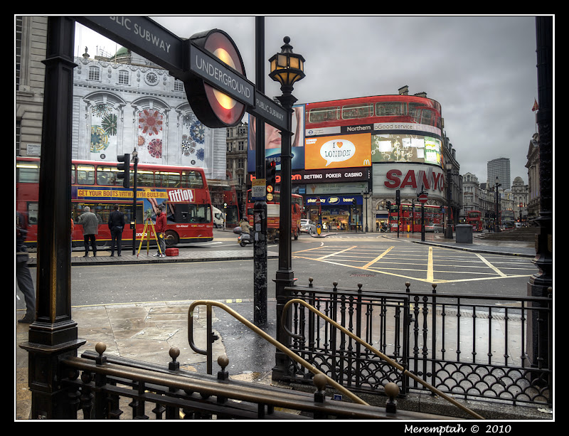 Piccadilly Circus Londres HDR Underground