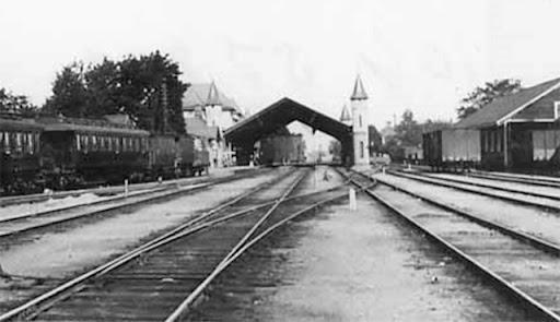 Uppsala bangård och hall 1902