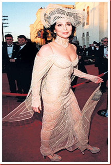Image_4_for_Oscars_Fashion_Disasters_gallery_879789485