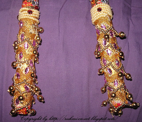 Dandiya-Stick-Decorated-Golden-Lace