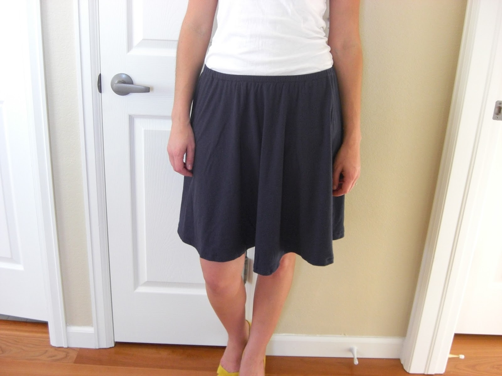 Knit circle skirt i say sew again using fabric i got for a steal 1 i made this comfy circle skirt based on the pattern from christine haynes chic simple sewing bankloansurffo Image collections