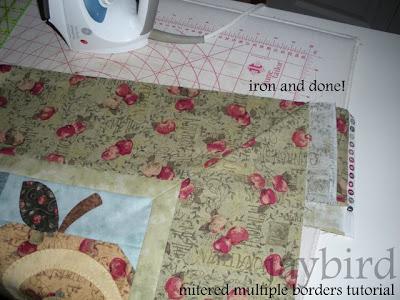 mitered multiple borders tutorial - {quilting basics tutorial ... : mitered borders on quilts - Adamdwight.com