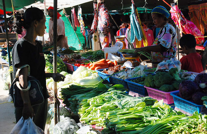 Овищи на рынке в Саладан, Ко Ланта