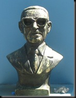 Boca - Face with Glasses - statue