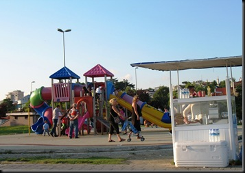 Marmara Beach Walk - Playground and Kiosk