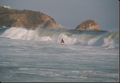 Zipolite - surfing