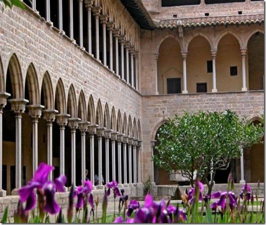 claustro-monasterio-de-pedralbes-barcelona