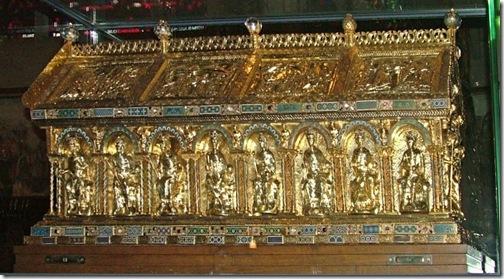 relikwiarz karola wielkiego