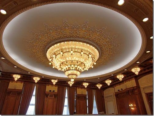 bukareszt - pałac parlamentu żyrandol