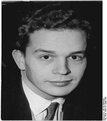 220px-Bundesarchiv_Bild_183-35699-0002,_Peter_Hacks
