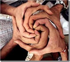 manos juntos