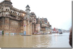 India 2010 -Varanasi  ,  paseo  en barca por el Ganges  - 21 de septiembre   120