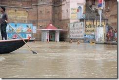India 2010 -Varanasi  ,  paseo  en barca por el Ganges  - 21 de septiembre   122