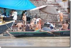 India 2010 -Varanasi  ,  paseo  en barca por el Ganges  - 21 de septiembre   133