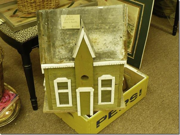 folkartbirdhouse