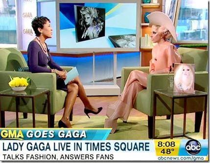 Lady-Gaga-e-seu-vestido-de-preservativo-lady-gaga