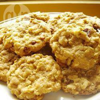 White Chocolate Chip Oat Cookies