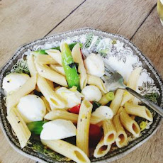 Spring Pasta Salad With Asparagus, Tomato and Mozzarella