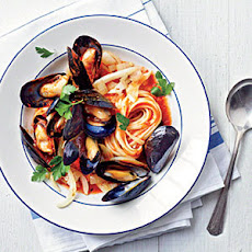 Mussels Fra Diavolo with Linguine