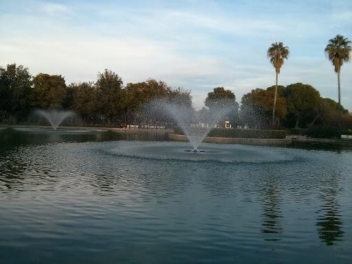 Lago del Parque Amate