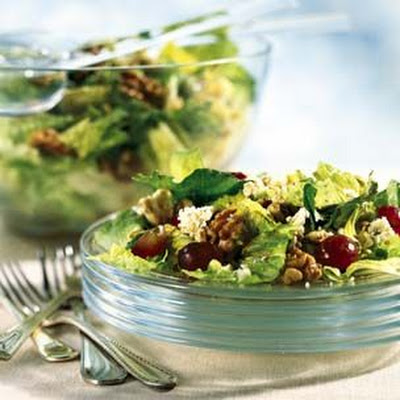 Romaine, Gorgonzola, Grape and Walnut Salad
