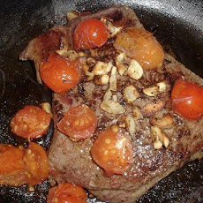 Sirloin Steak with Tomatoes and Garlic (for 1 double for 2)