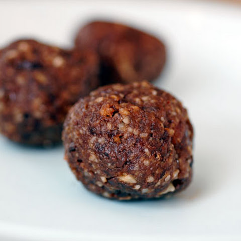 Chocolate Power Bar Balls