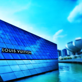 Louis Vuitton @ Marina Bay by Shahrul A Hamid - Buildings & Architecture Architectural Detail