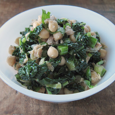 Lemony Tuna Salad With Kale, Chickpeas & Brown Rice