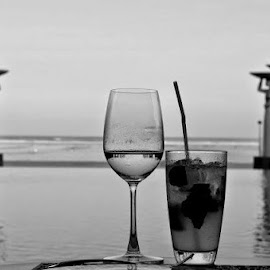 Black and white challenge Day 1...Thanks Shubha Rajamurthy for nominating me.... He's my entry for day 1..... by Poornima Raju - Artistic Objects Glass