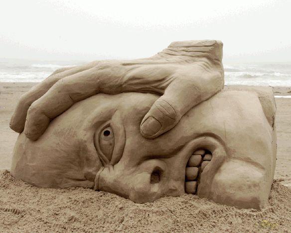 Skulpture napravljene od pjeska  1025