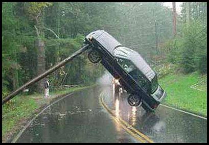 Foto Kecelakaan Mobil