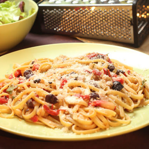 Linguini with White Bean, Roasted Red Pepper and Olive Sauce