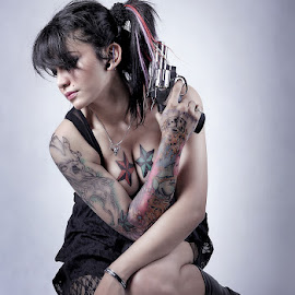 dont touch me by Indra KukurYuk - People Body Art/Tattoos