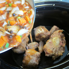 Slow Cooker Caribbean Oxtails