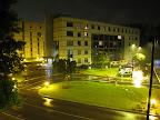 Eines der CERN-Hostels bei Nacht