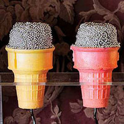 Microphone Cake Cones