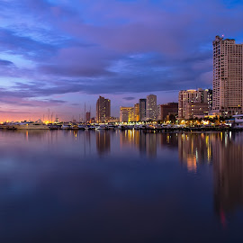 Blue Hour at Manila Bay by Aye Cruz - Landscapes Travel ( night photography, manila nay, manila bay, seascape, cityscape, manila, night shot, nightscape )