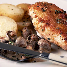 Crispy Thyme Chicken With Mushroom Sauce