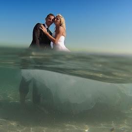 Trash the Dress in Cap d'Antibes by Frédéric Deleuse Photographe - Wedding Bride & Groom ( sudio riviera wedding, trash the dress photographer, trash the dress in cap d'antibes, trash the dress )