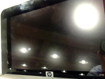 [NB]2133的鏡面螢幕…果然是不適合懶人用的 = =