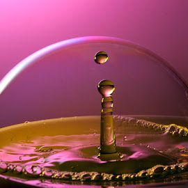 Bubble and Droplets by Nirmal Kumar - Abstract Macro