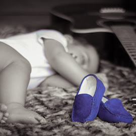 Sleepy singer by Savneet Kaur - Babies & Children Hands & Feet ( sleeping baby, black and white, child portrait, blue shoes, guitar, baby, selective color, pwc )