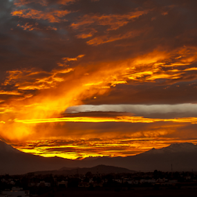 Volcanoes and sunset by Cristobal Garciaferro Rubio - Landscapes Sunsets & Sunrises ( volcano, popo, mexico, puebla, iztaccihuatl, volcanoes )